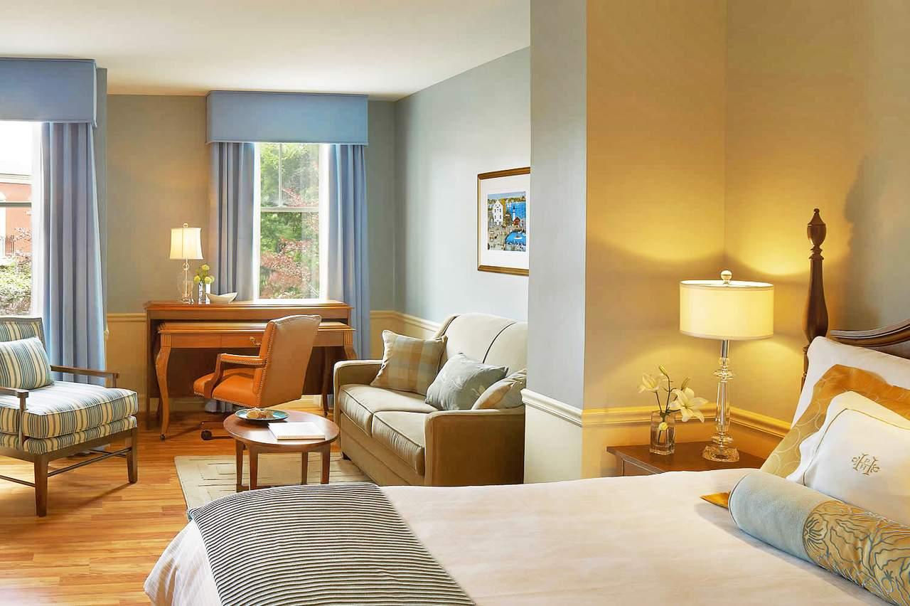 Room Service Hawaii