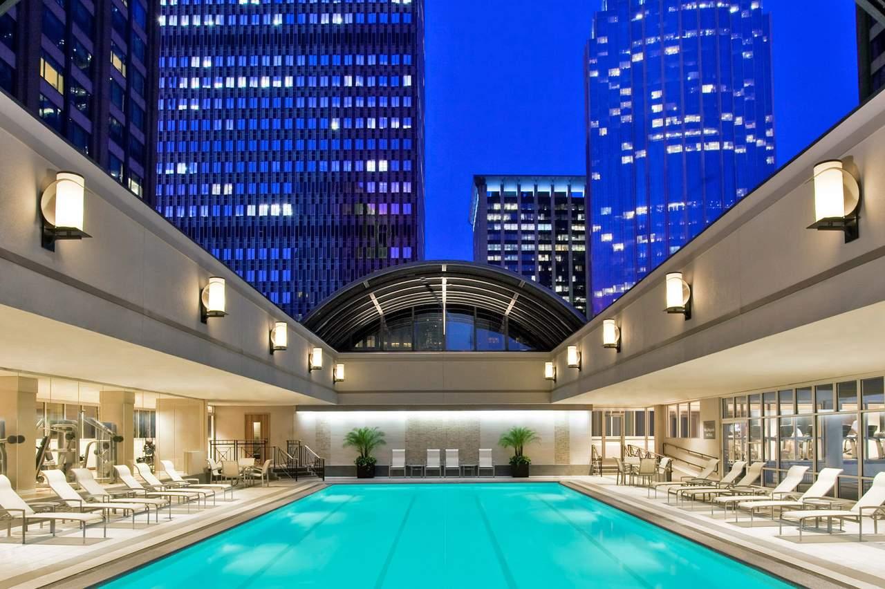 hotel massachusetts sheraton boston canusa. Black Bedroom Furniture Sets. Home Design Ideas