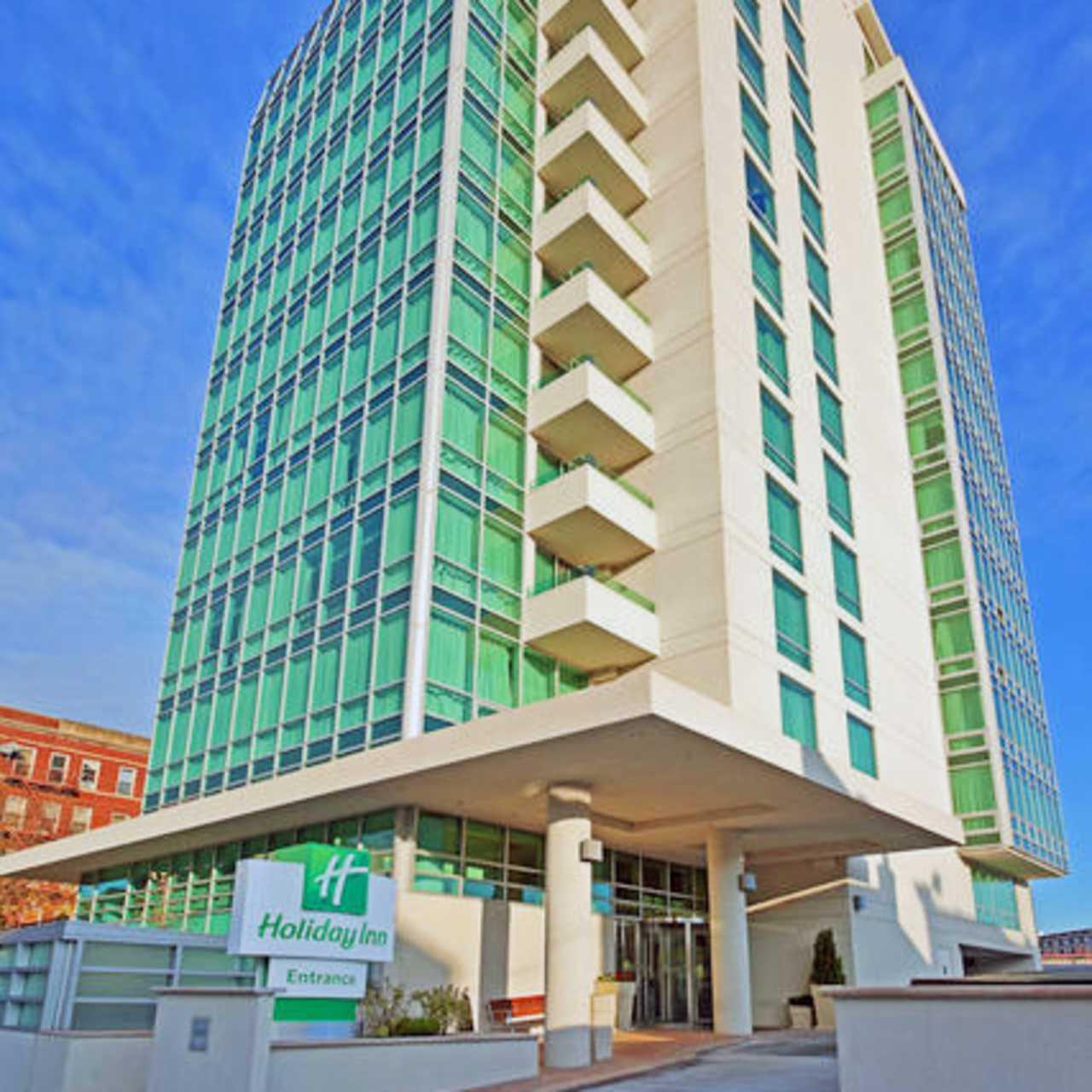 Holiday Inn Manhattan View Long Island