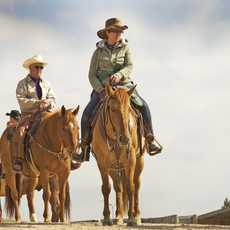 Reiten bei der Colorado Cattle Company and Guest Ranch in Raymer