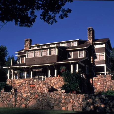 Custer State Park: State Game Lodge