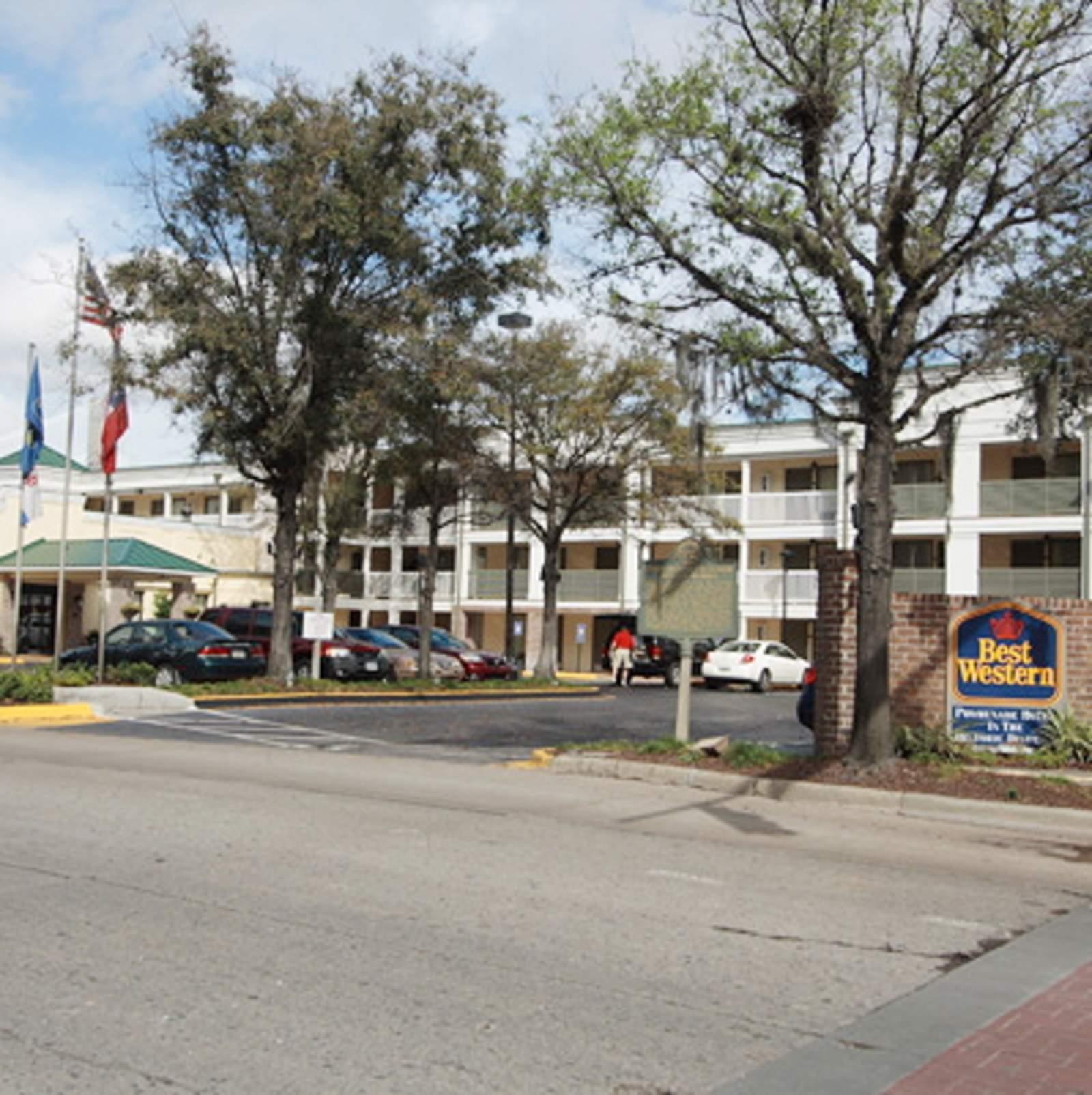Best Western Savannah Historic District Hotel