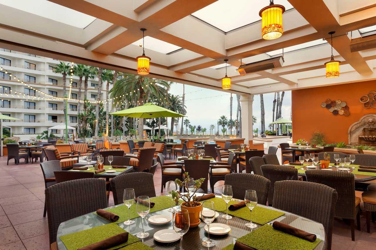 Waterfront Beach Resort Huntington Beach Ca
