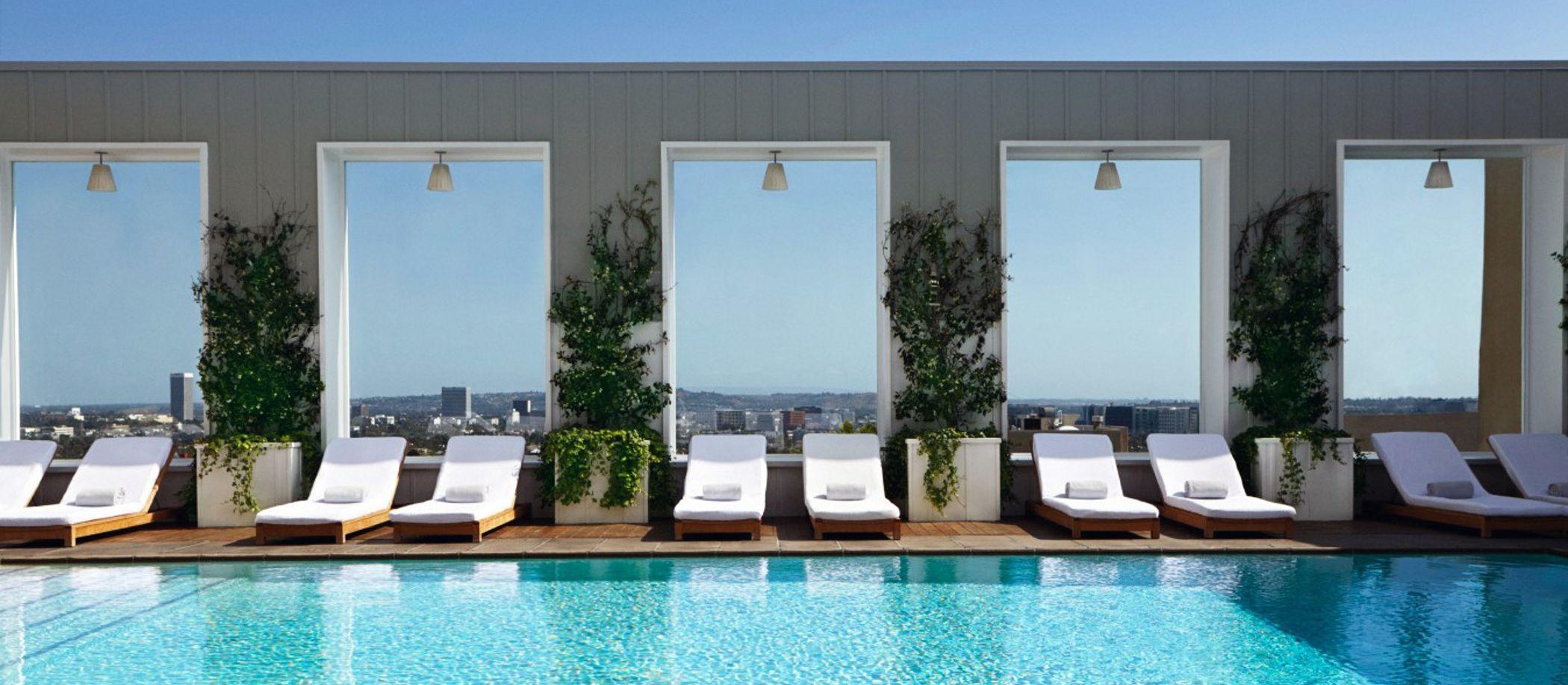 Mondrian Hotel, Pool