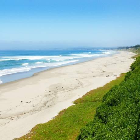 Strand vor den Rio del Mar Apartments in Santa Cruz, Kalifornien