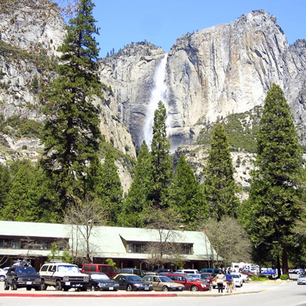 Hotel kalifornien yosemite park yosemite valley lodge for Yosemite valley cabins