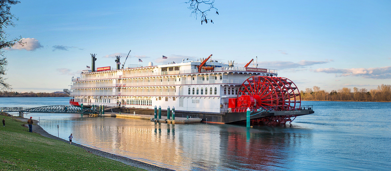Das American Oueen Empress Flussboot in Oregon