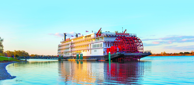 Das American Empress Kreuzfahrtschiff in Oregon an einem Anleger in Richland, Washington