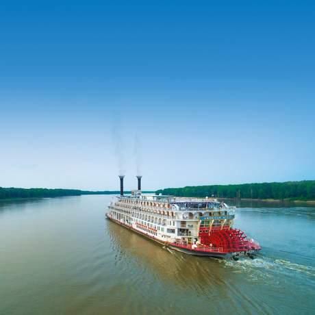 Das Flussschiff American Queen, Hannibal, Missouri
