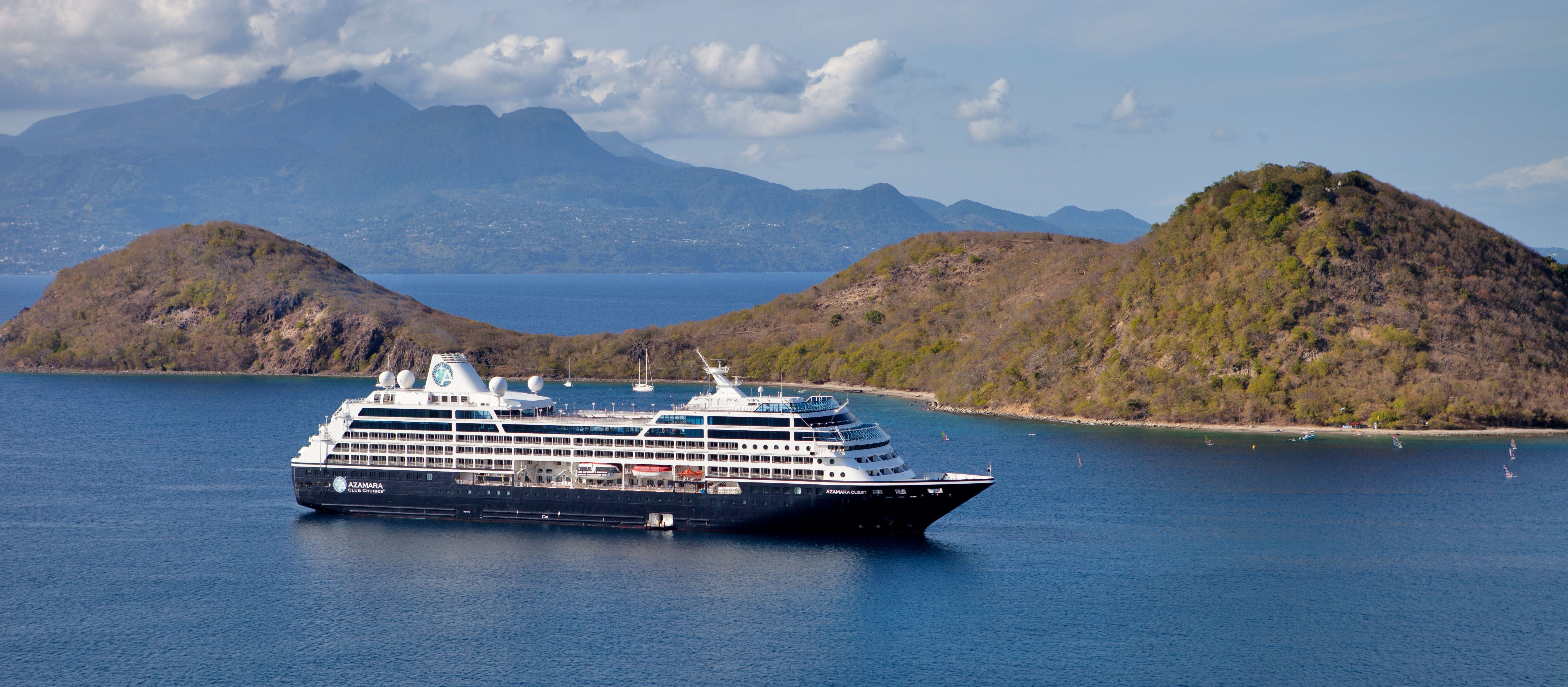 Seitenansicht eines Azamara Club Cruises Kreuzfahrtschiffes
