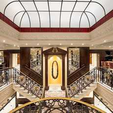 Lobby des Azamara Quest Kreuzfahrtschiffes