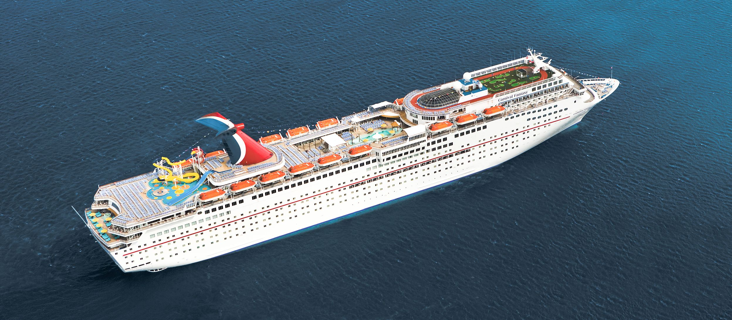 Luftaufnahme der Carnival Fantasy von Carnival Cruise