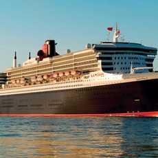 Die Queen Mary II der Cunard Line
