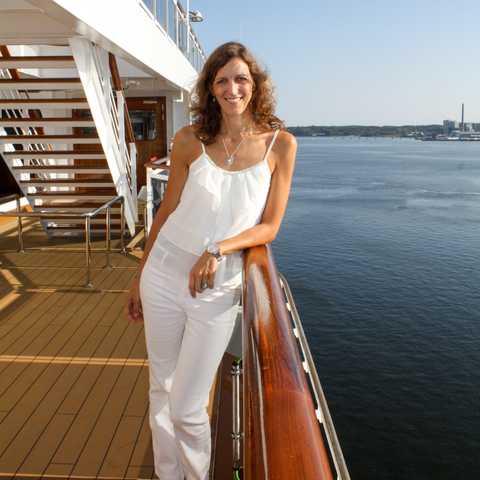 Birthe Witte auf dem Deck der MS Konigsdam