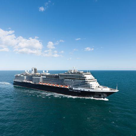 Aussenansicht der MS Konigsdam der Reederei Holland America Line