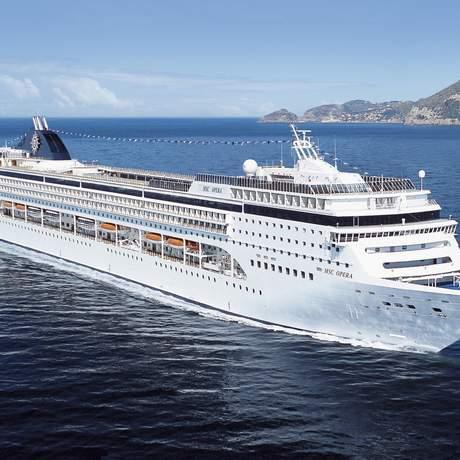 Aussenansicht des MSC Opera Kreuzfahrtschiffes