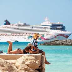Die Norwegian Jewel vor den Bahamas