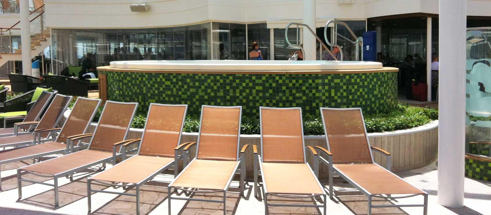 Entspannen auf dem Solarium Deck