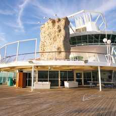 Kletterwand und Sportdeck der Majesty of the Seas der Royal Caribbean Rederei