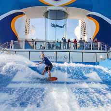 Flugkanal und Surfanlage auf der Quantum of the Seas