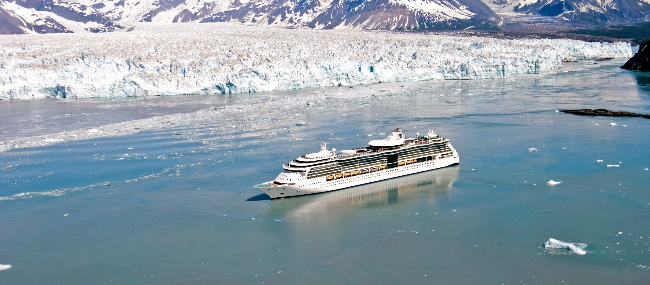 Serenade of the Seas am Hubbard-Gletscher