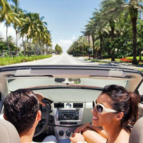 Paar unterwegs in Miami