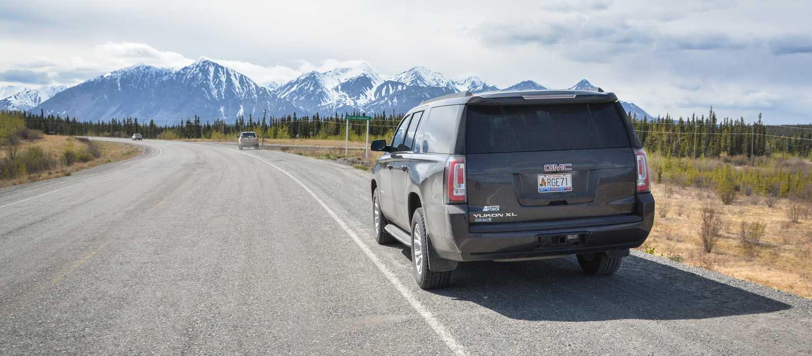 Mit einem Fullsize SUV von Driving Force unterwegs im Yukon