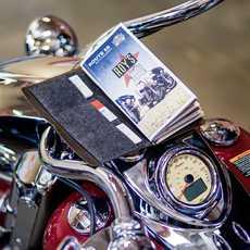 Eine Landkarte auf einem Motorrad, Amboy, California