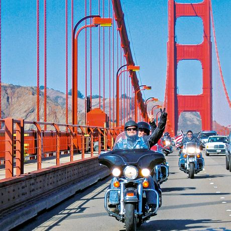 Biker auf der Golden Gate Bridge