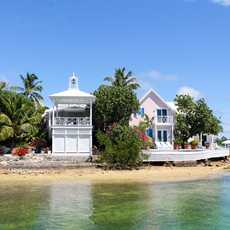 Meerufer bei Hope Town auf der Insel Elbow Cay, Bahamas