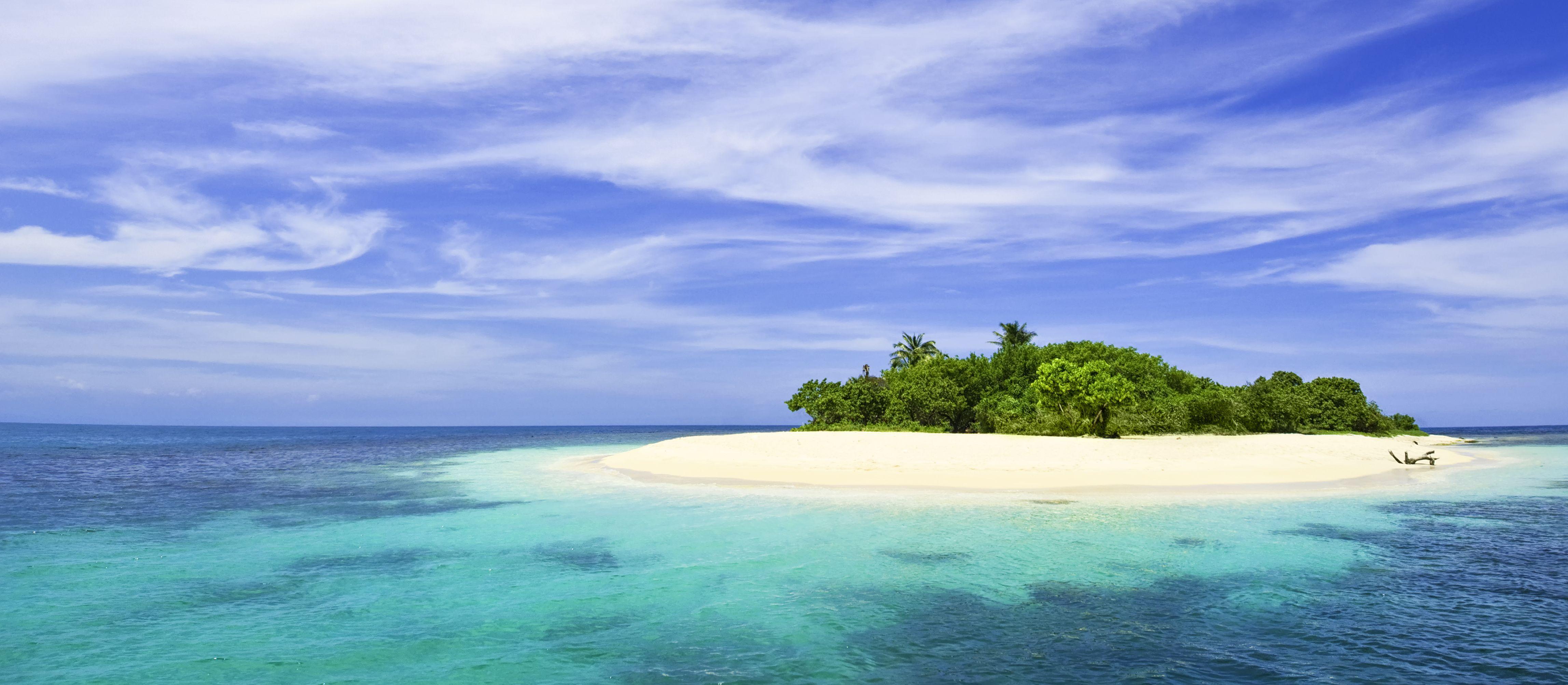 Einsame tropische Insel in der Karibik