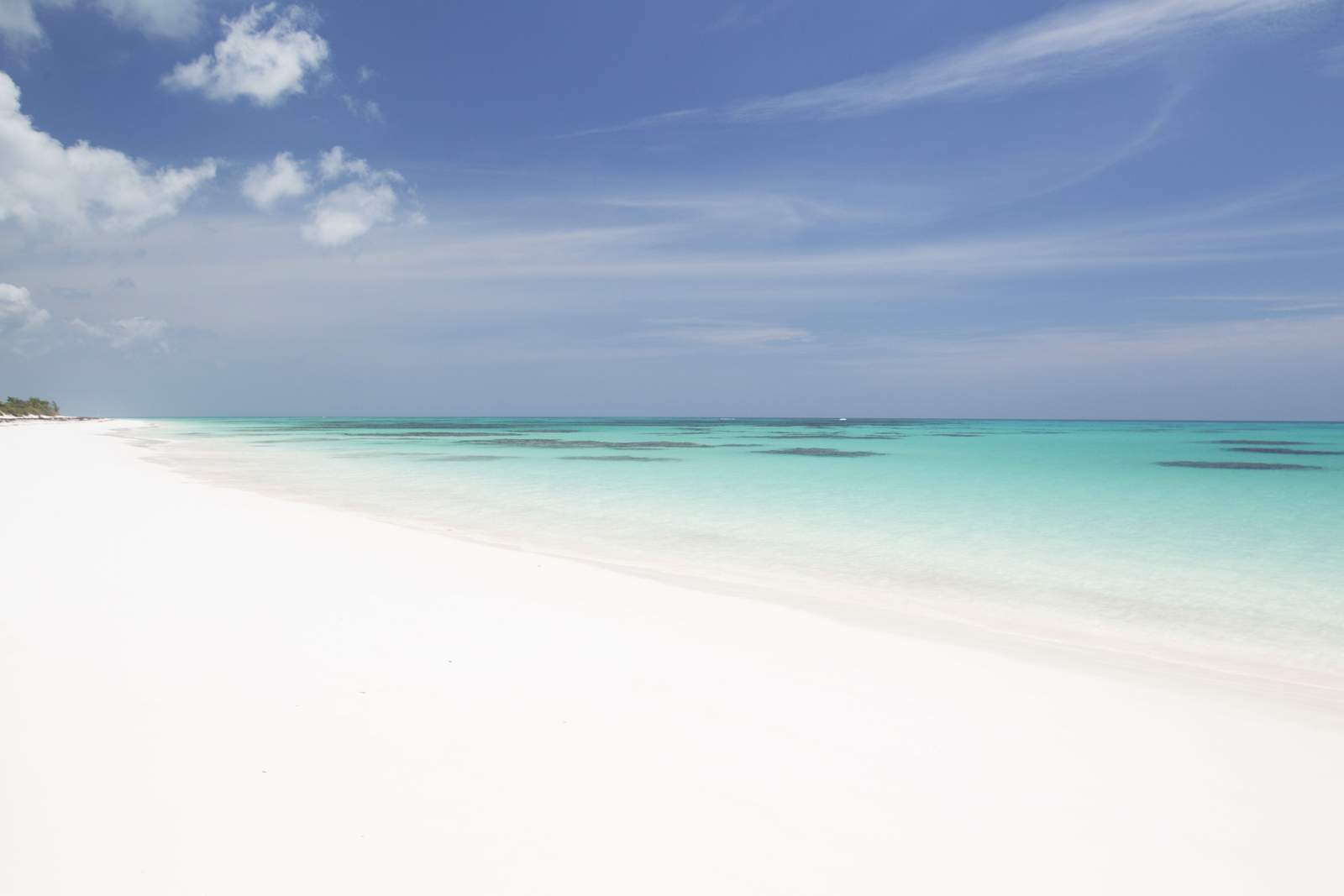 Strand beim Greenwood Beach Resort**