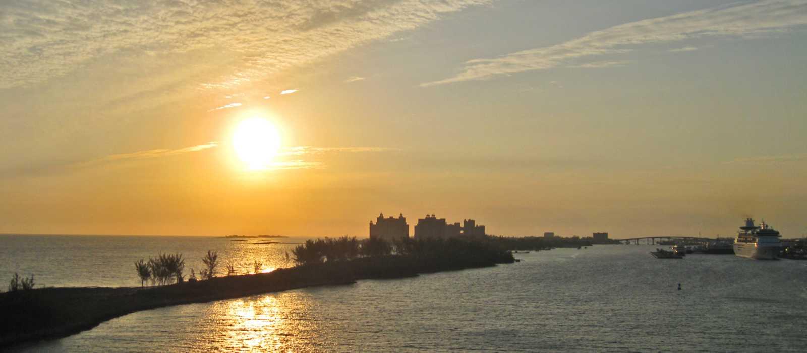 Nassau Harbour bei Sonnenaufgang