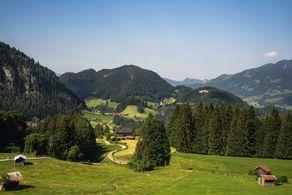 Romantische Almgegend bei Oberstdorf im Allgäu