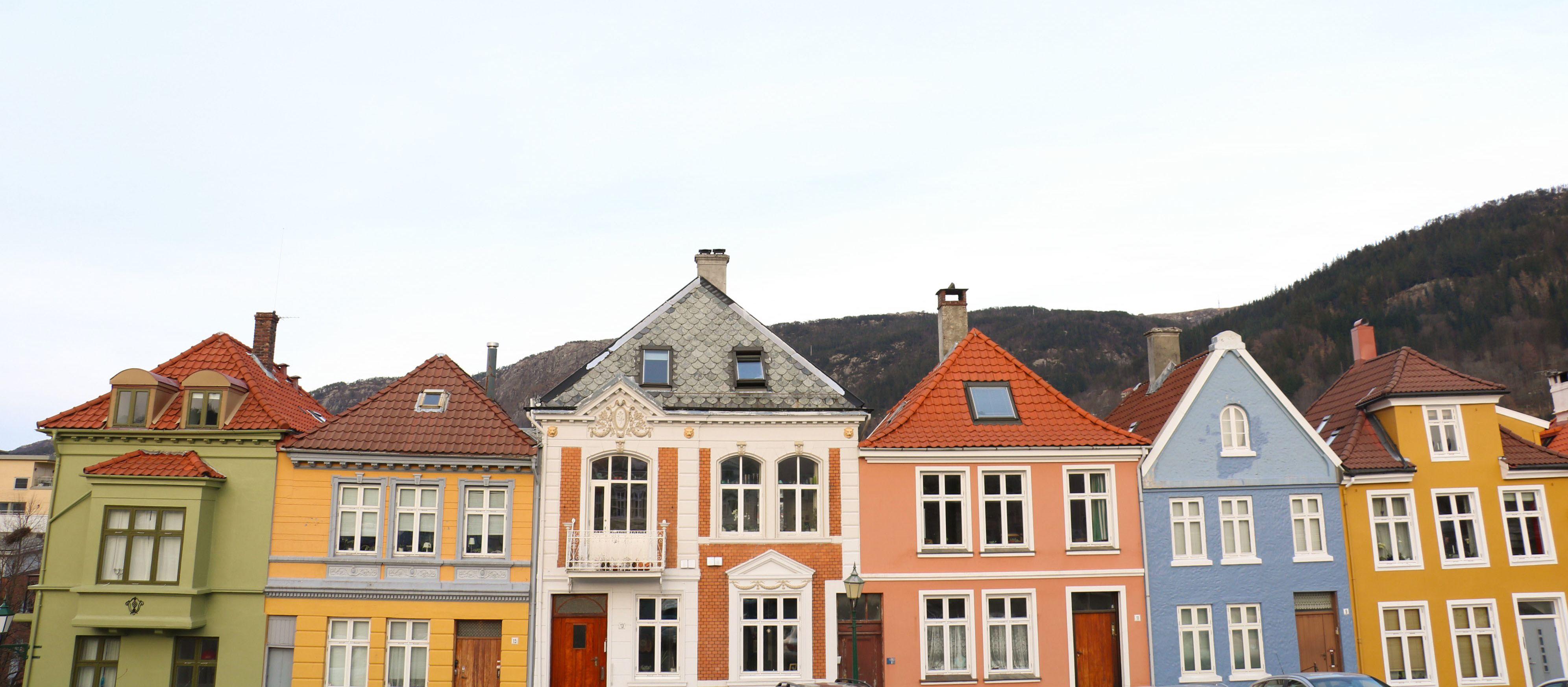 Bunte Haeuser in Bergen, Norwegen.