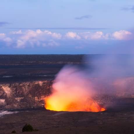 Der aktive Vulkan Kilauea spukt Lava, Big Island