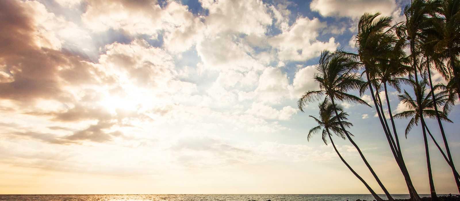 Sonnenuntergang in Kona am Mahaiula Beach, Big Island