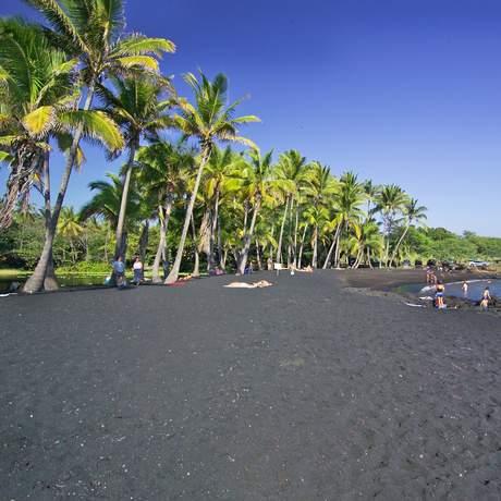 Punaluu Black Sand Beach, Big Island