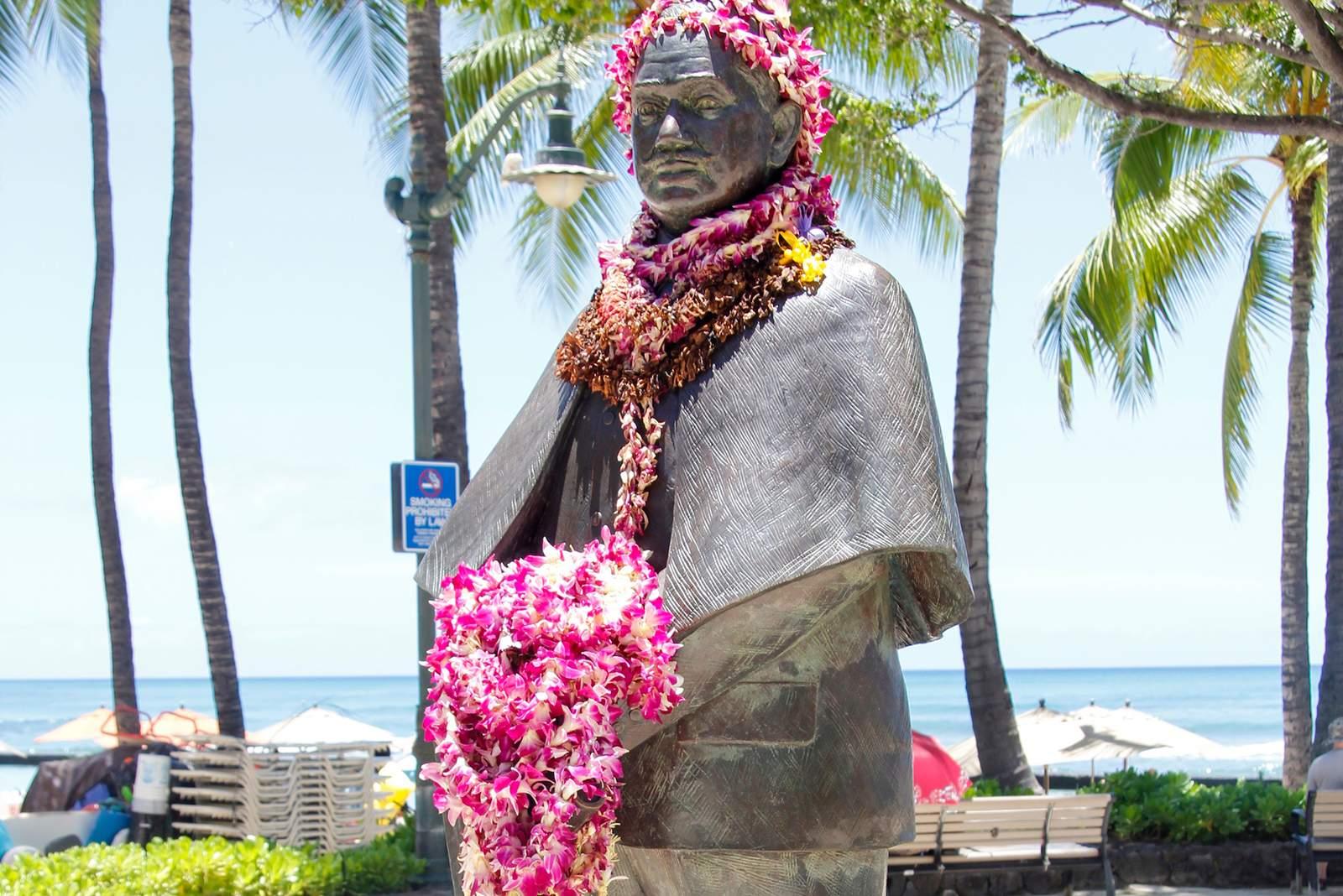 Prince Honda Kuhi Statue in Waikiki