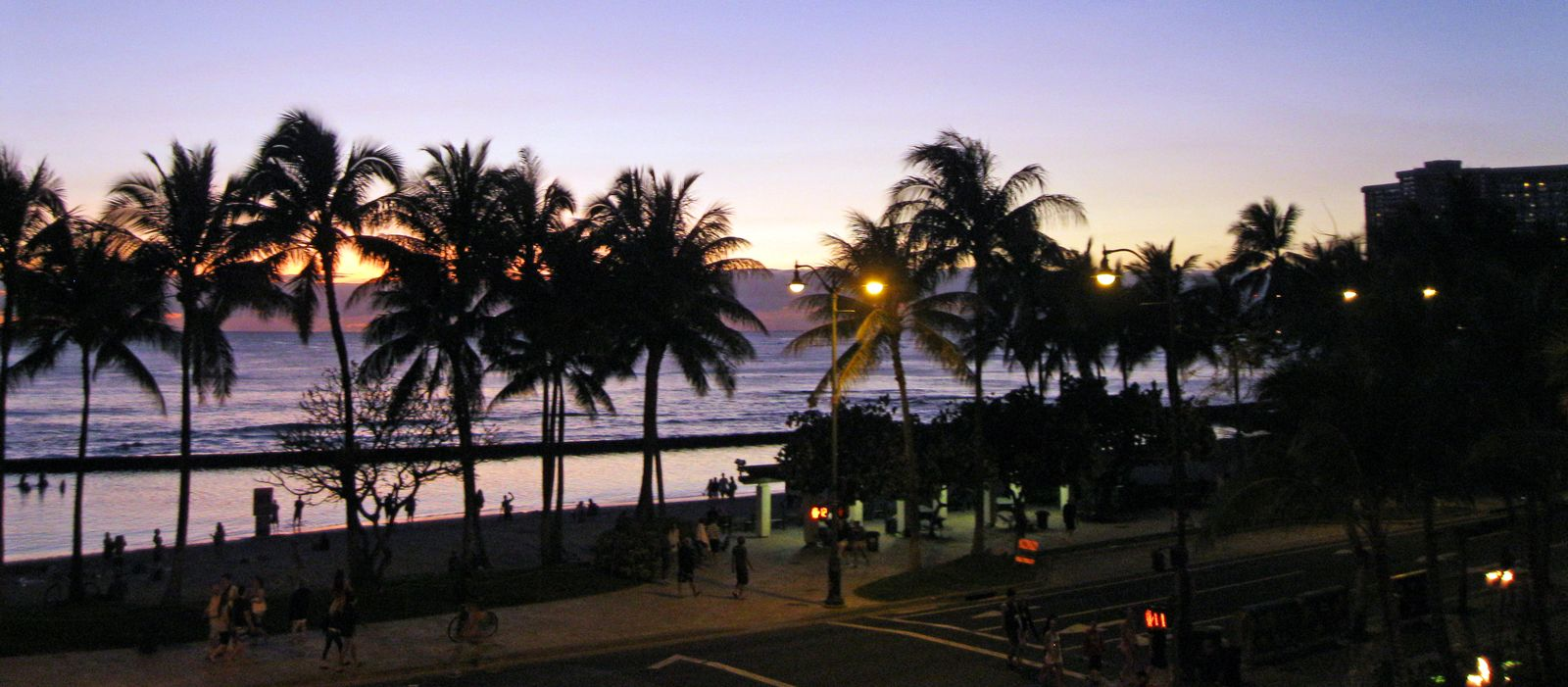 waikiki chat Discover the beauty, culture and adventures waiting for you on the hawaiian islands find hawaii travel information and plan your perfect vacation.