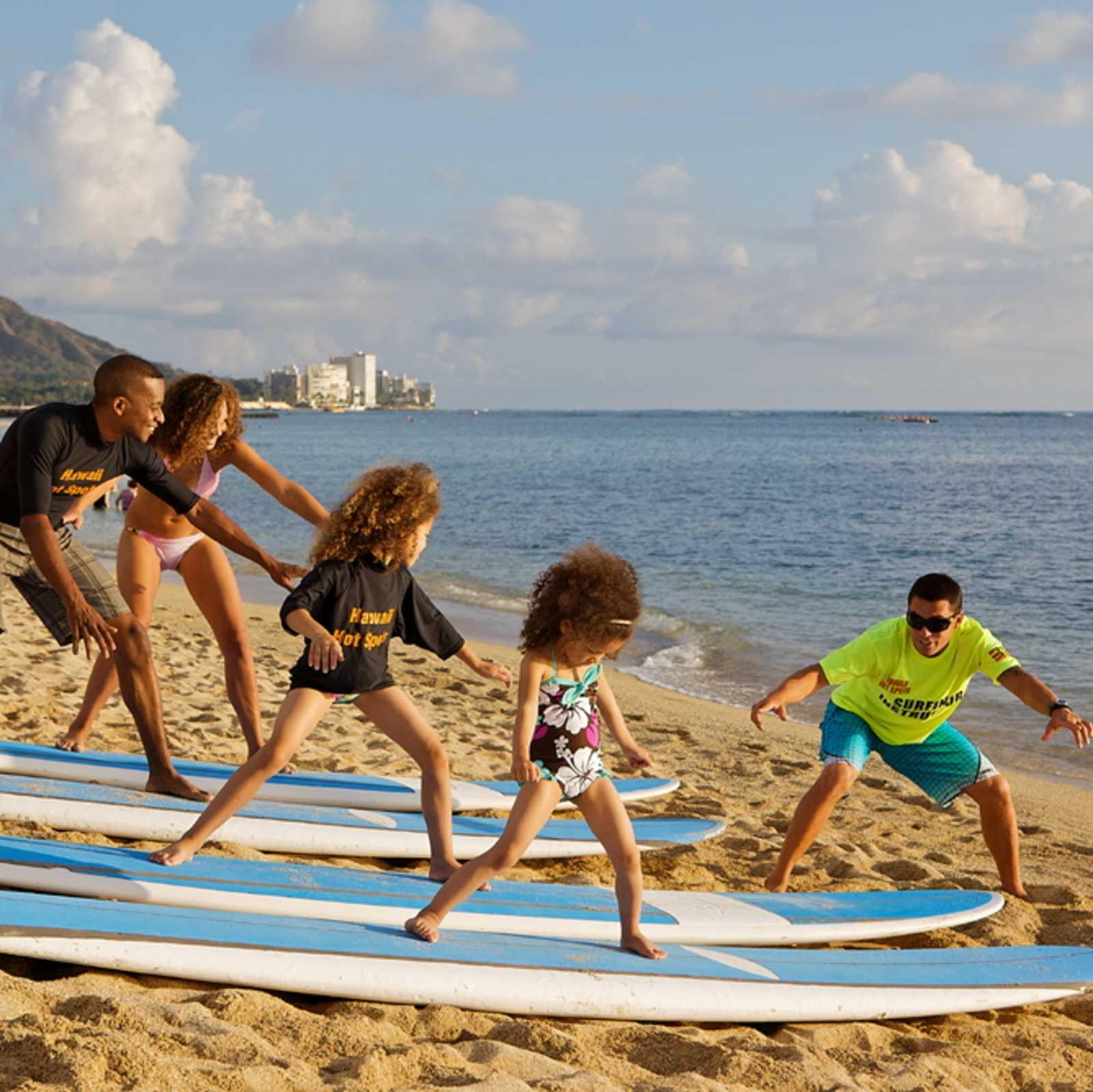 Surfübung am Strand von Waikiki