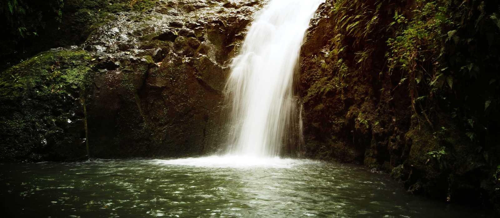 Wasserfall auf Oahu