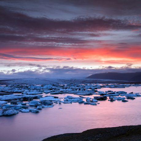 Gletschersee Jökulsarion bei Sonnenuntergang