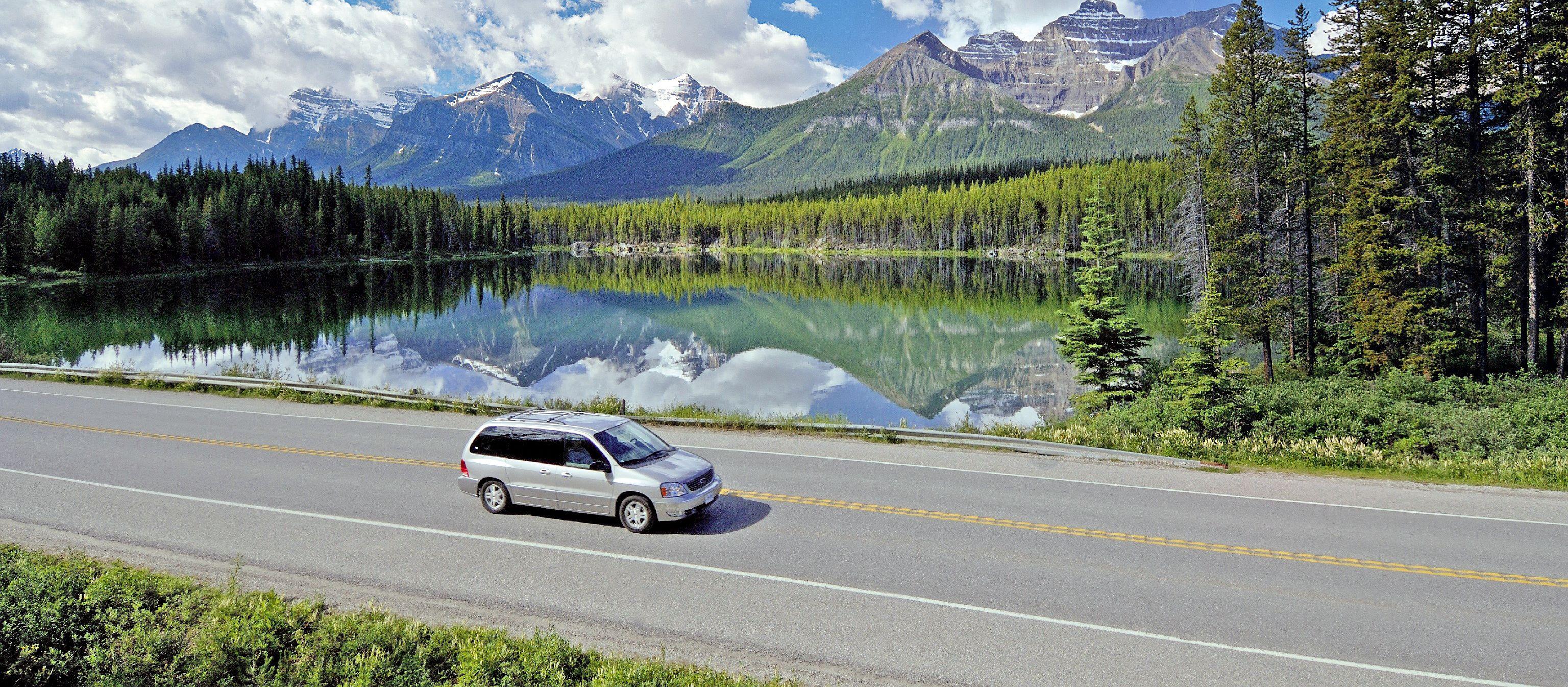 Auf Autotour in Banff