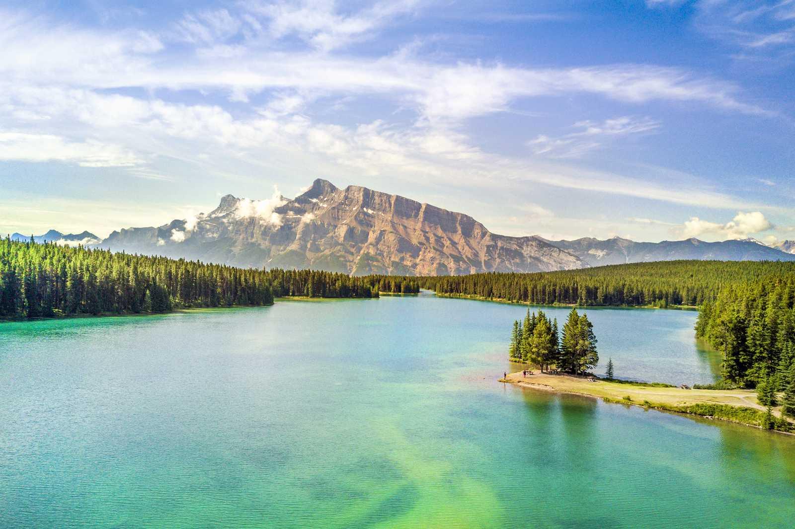 Lake Minnewanka im Banff National Park
