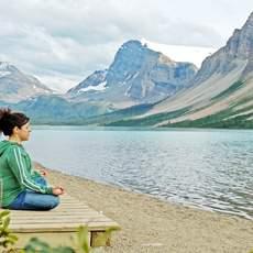 Yoga am Bow Lake