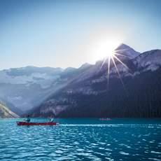 Lake Louise bei Sonnenschein