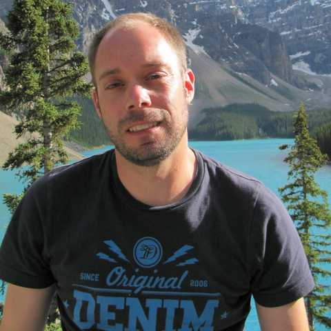 Torben vor dem Moraine Lake, Banff, Alberta