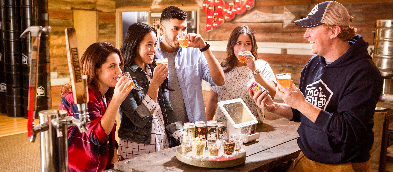 Bierproben in der Tool Shed Brewery