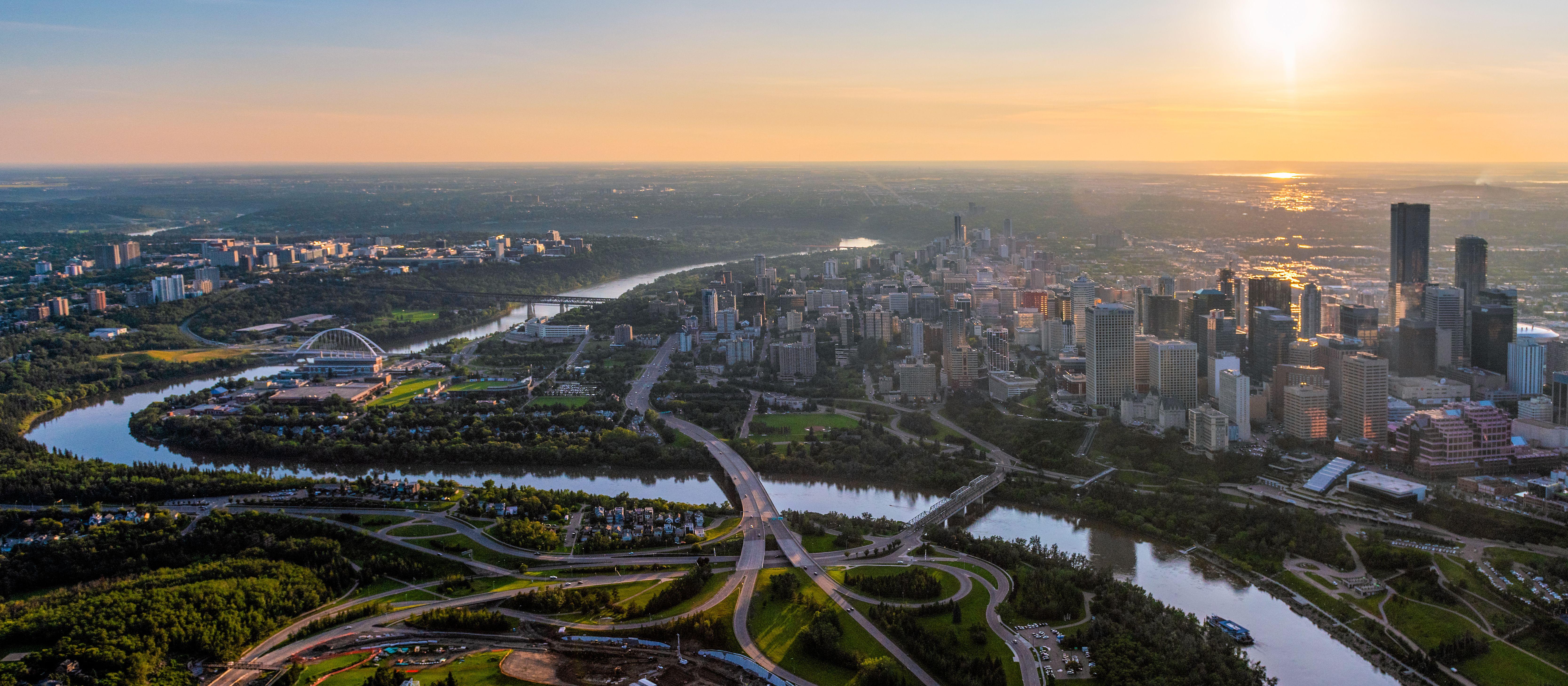 Die kanadische Stadt Edmonton aus der Vogelperspektive